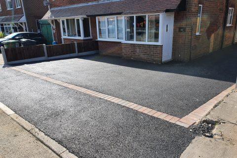 Tarmac driveway installer in the UK